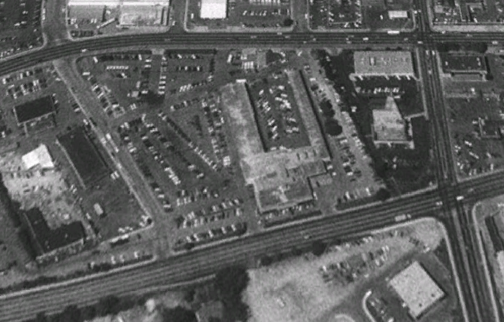 In this Google Earth image,Roundtree Chevrolet sits on the site in 1992, about five years before the dealership was closed and move to Fairview Ave. under the ownership of Lithia (the dealership moved again, even further west, to its current site at Fairview & Cloverdale under the ownership of the Peterson family.)