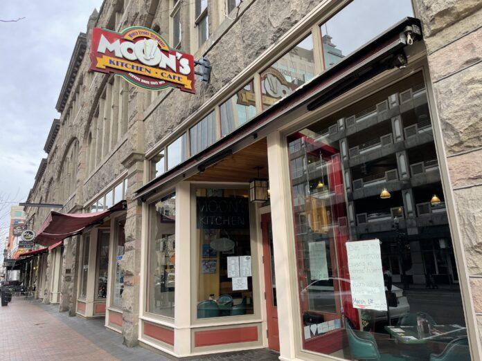 Moon's Kitchen Cafe